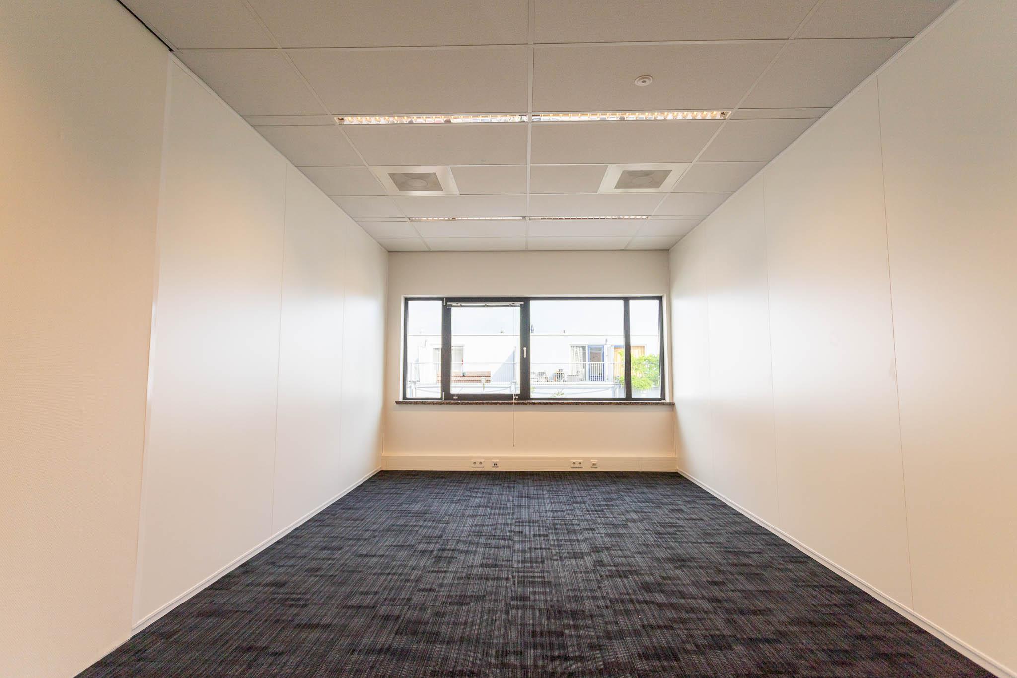 Kantoorruimte-lammenschans-crown-business-center