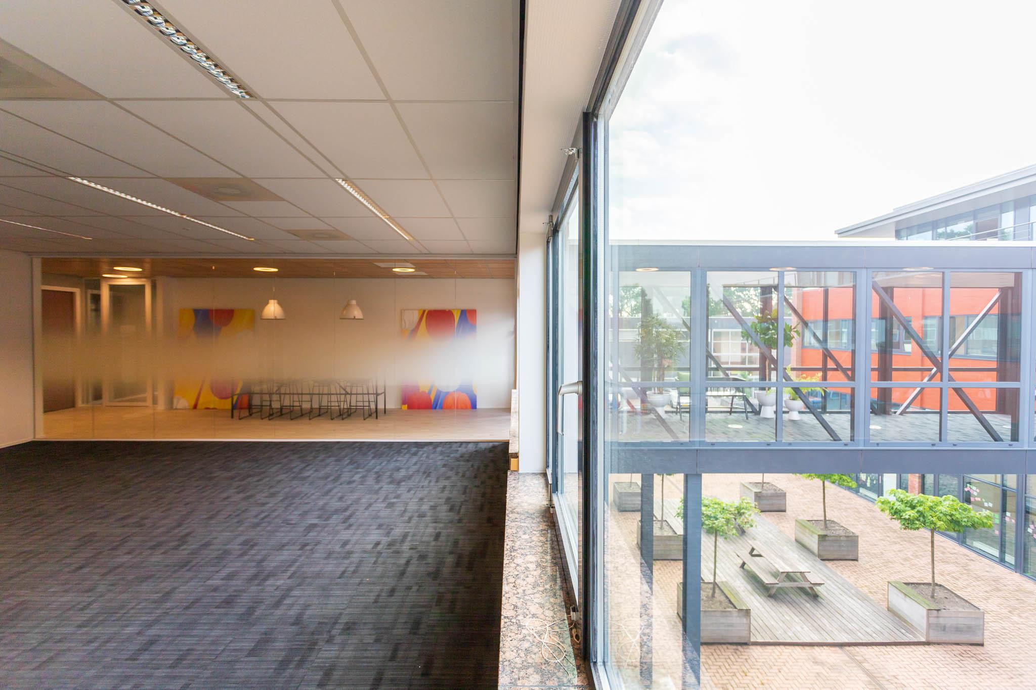 Kantoorruimte-leiden-lammenschans-crown-business-center-impressie