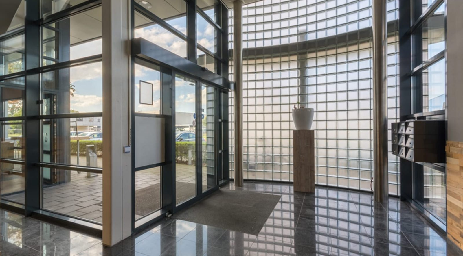 Ontvangstruimte Crown Business Center Haarlem II | Bedrijfsruimte huren
